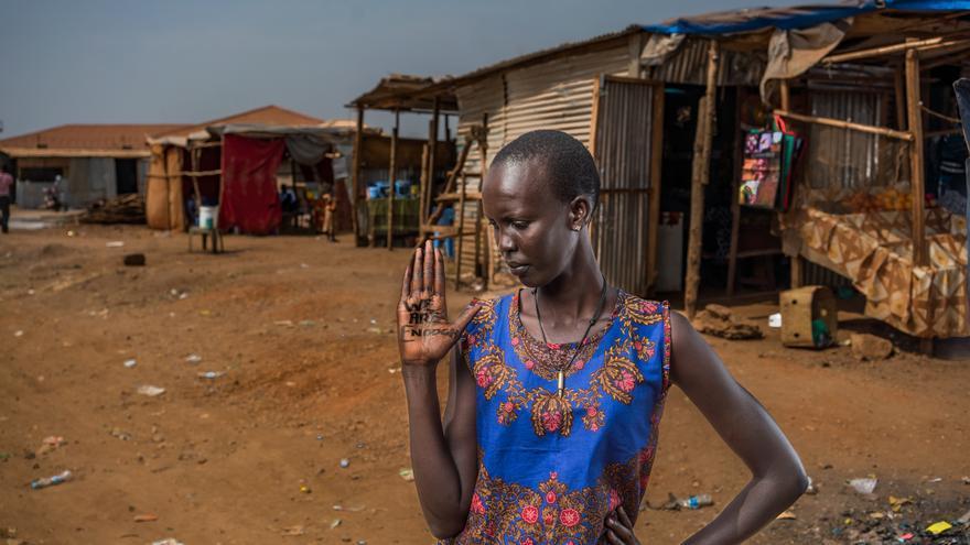 Hija de William Nylon, uno de los últimos fundadores del SPLA (Ejército de Liberación del Pueblo de Sudán), volvió desde Estados Unidos para ayudar a reconstruir su tierra natal. Sintió que si se quedaba en EEUU, el nombre de su padre moriría. | FOTO: Robert X. Fogarty - Oxfam Intermón