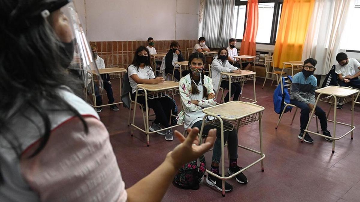 CABA, Córdoba y Mendoza vuelven a las clases presenciales