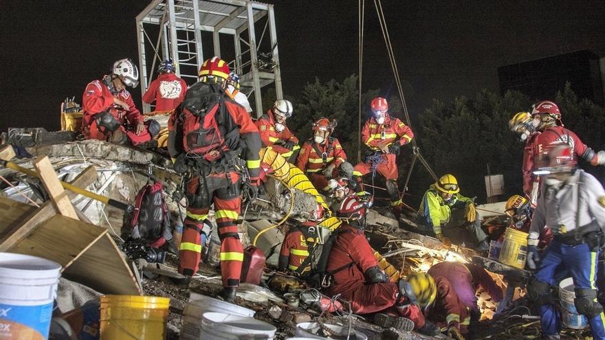 La UME recupera el cadáver de Jorge Gómez, diez días después del terremoto en Ciudad de México