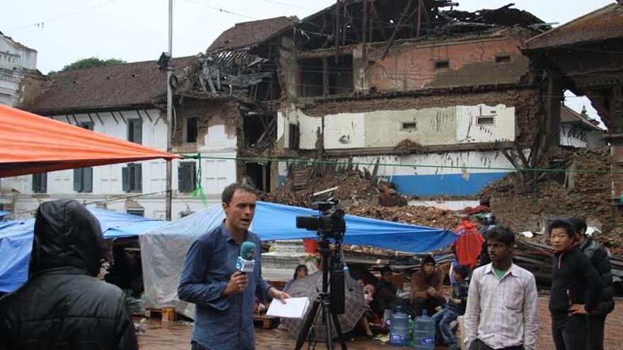 Mikel Ayestaran en una de sus conexiones desde la zona de conflicto.