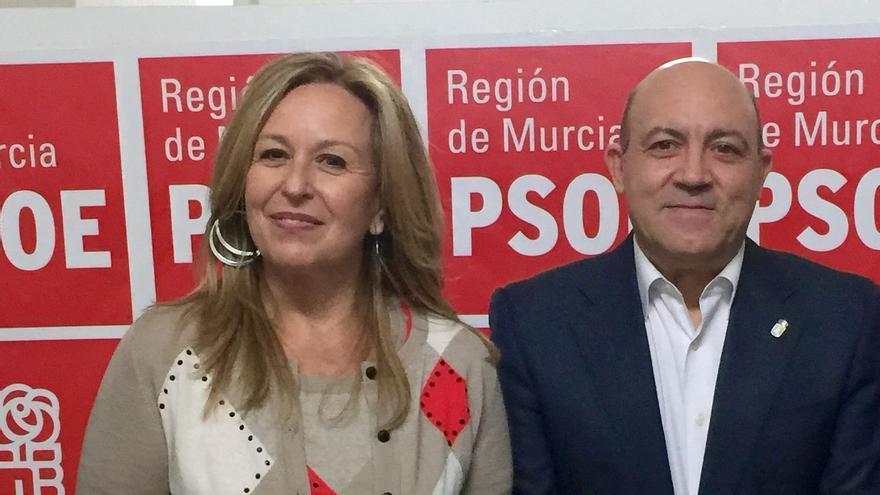 Trinidad Jiménez junto al candidato del PSRM-PSOE a la alcaldía de Cieza, Pascual Lucas / MJA