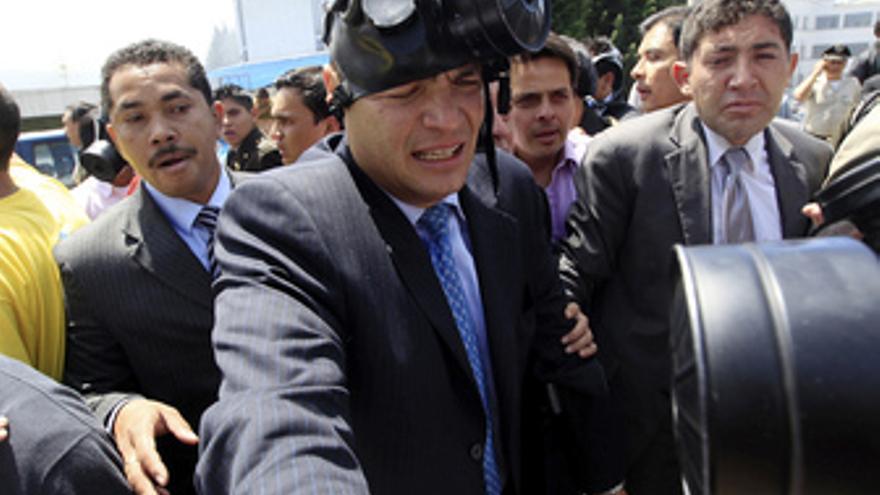El presidente Correa tras ser atacado por policias amotinados