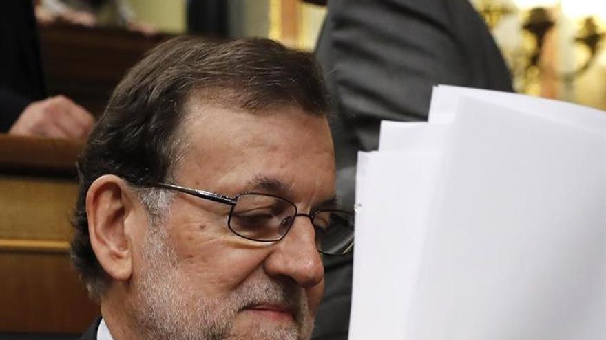 Rajoy felicita a Eduardo Mendoza por el Premio Cervantes