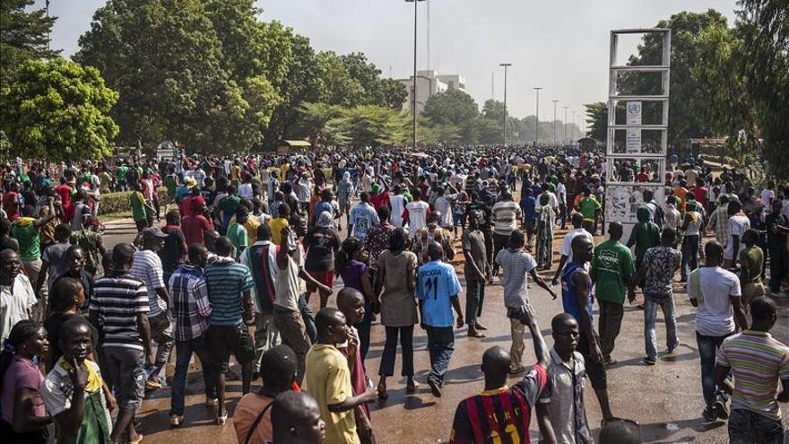 Centenares de manifestantes recorrieron el pasado jueves las calles de Uagadugú, Burkina Faso/Efe