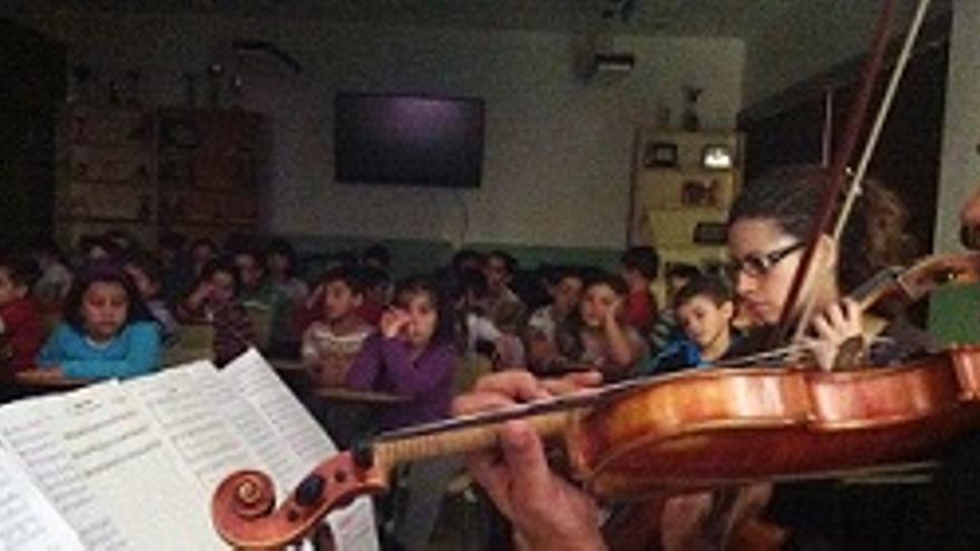 Ofrecen en las escuelas conciertos pedagógicos