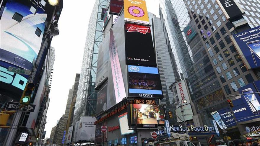 El Pop Art de Andy Warhol inunda las pantallas de Times Square
