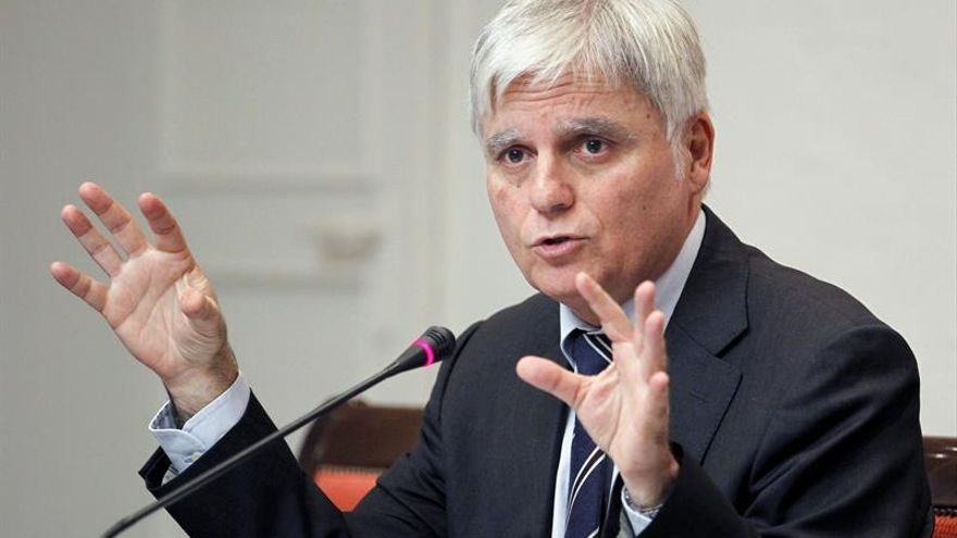 El consejero de Educación, Universidades y Sostenibilidad del Gobierno de Canarias, José Miguel Pérez. EFE/Cristóbal García