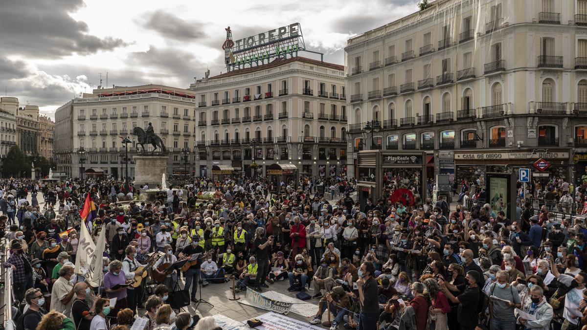 Concentración en la Puerta del Sol de Madrid por el décimo aniversario del 15M
