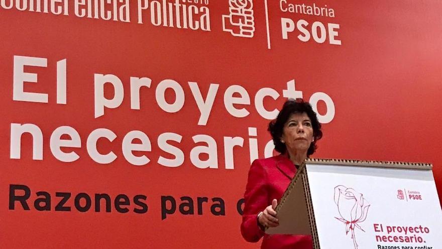 La ministra Isabel Celaá asiste a la la Conferencia Política del PSOE de Cantabria. | PSOE