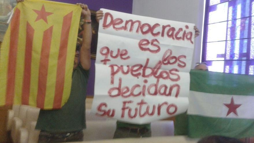 Portavoz del SAT se ofrece a poner urnas en las ocho capitales para los votantes catalanes en Andalucía voten el 1-O
