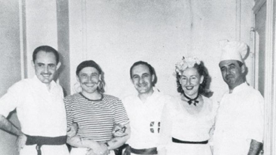 El lehendakari Aguirre vestido de dantzari en una fiesta de disfraces, en Nueva York. Foto: Fundación Sabino Arana
