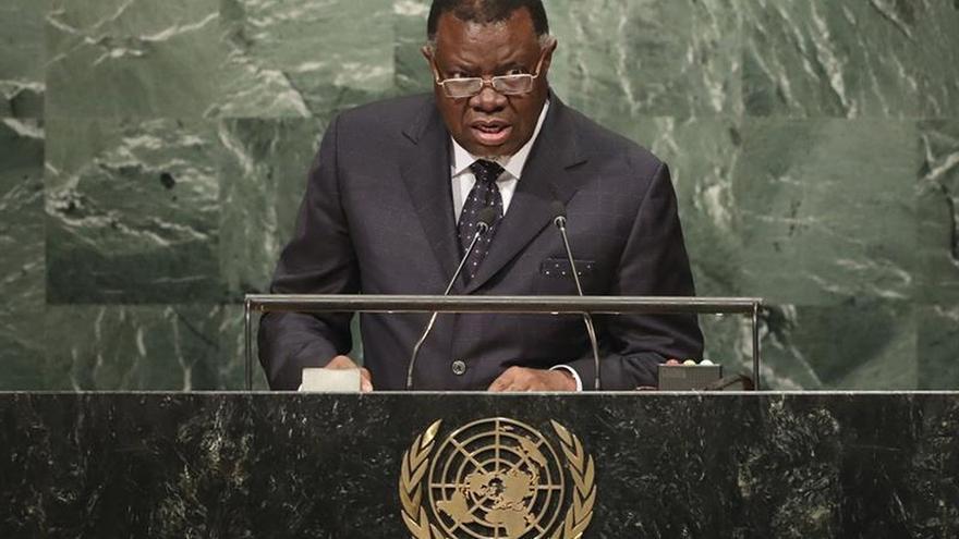 Namibia apuesta por la receta de Mugabe para redistribuir la tierra