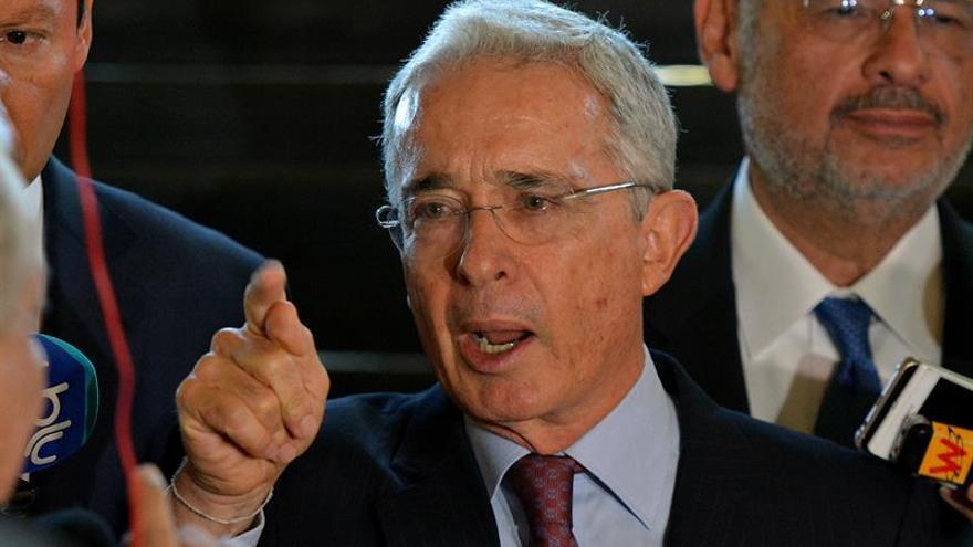 Denuncian llamadas amenazantes contra el expresidente colombiano Álvaro Uribe