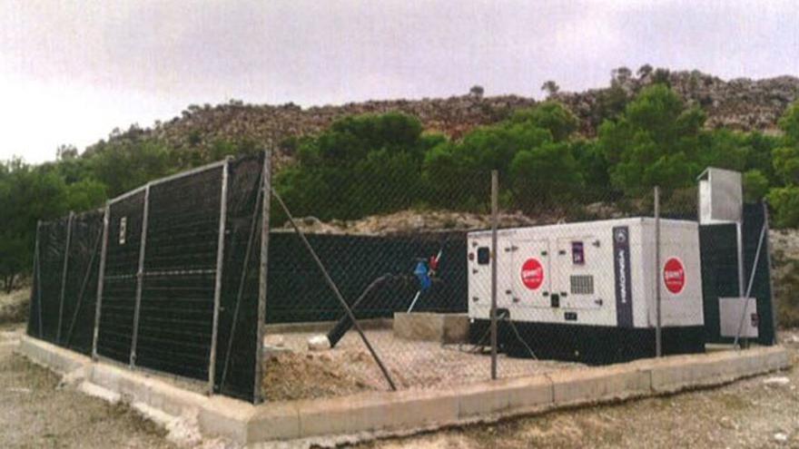 Uno de los grupos electrógenos detectados en el paraje Tedelche, en Hellín (Albacete)