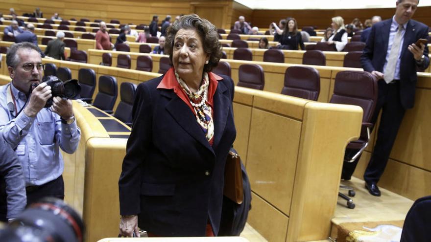 Rita Barberá asiste al pleno del Senado