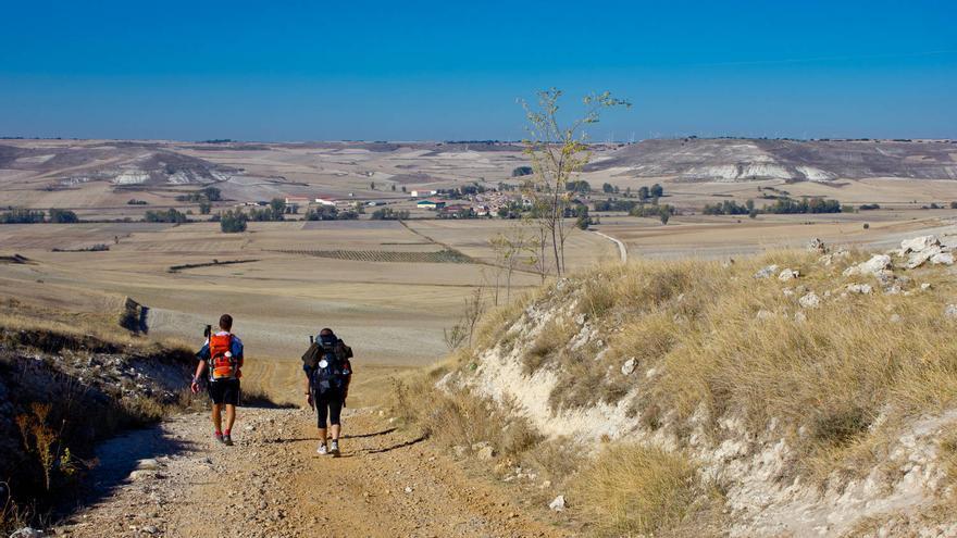 La Cuesta de Matamulas conduce al pueblo de Hornillos del Camino, en Burgos. VIAJAR AHORA