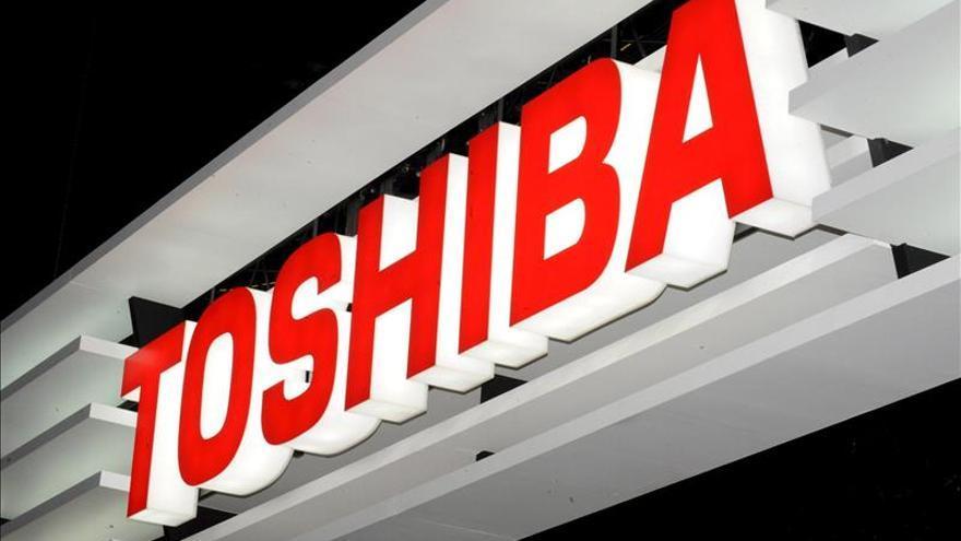 Toshiba pide un nuevo crédito de 2.280 millones de euros tras el fraude contable