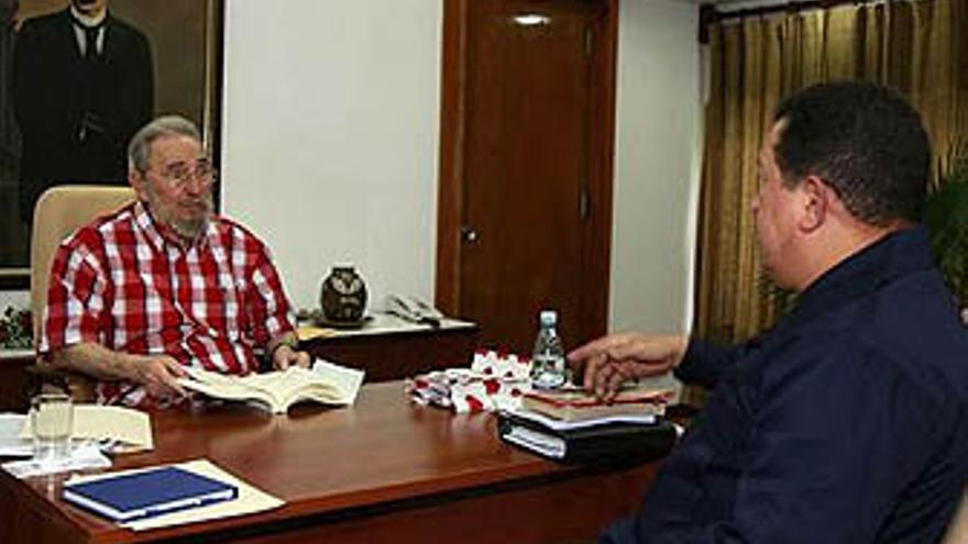 Fidel Castro con Hugo Chávez.