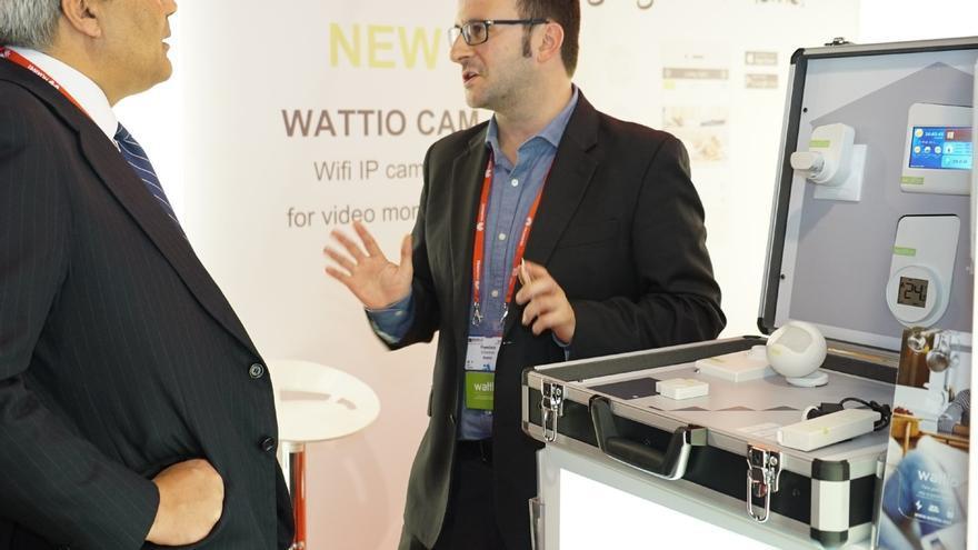 La firma vasca Wattio presenta dos prototipos para detectar humo e inundaciones en el Congreso de Internet de las Cosas