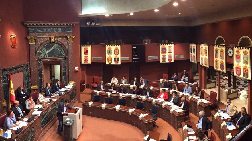 """SATSE califica de """"bochornoso"""" el enfrentamiento en la Asamblea por el asunto del techo de gasto / MJA"""