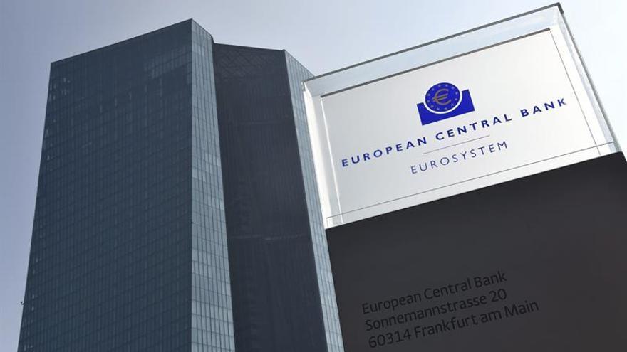El BCE prevé un crecimiento del 2,2 % este año con una inflación del 1,5 por ciento