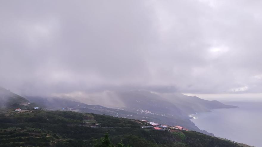 Cielo cubierto de nubes en el municipio de Barlovento.