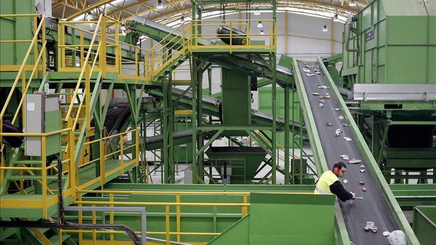 España crearía 400.000 empleos si se reciclasen los residuos de vertederos
