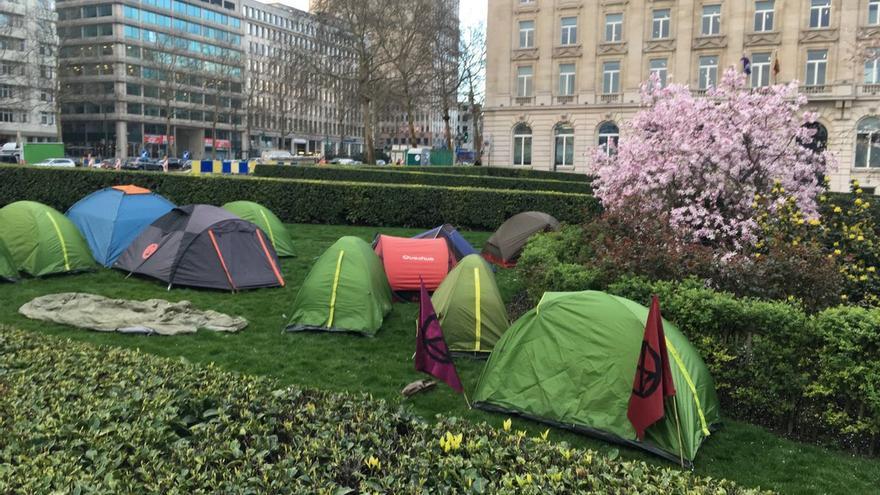 Acampada frente al Parlamento belga contra el cambio climático