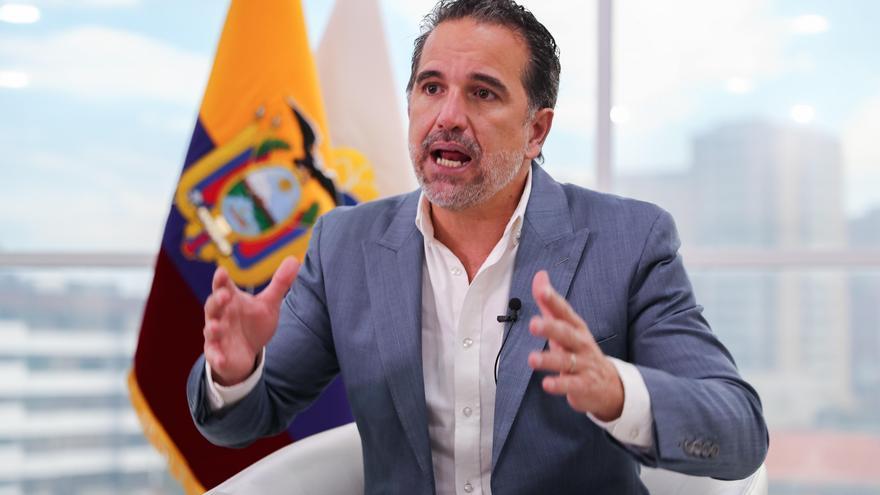 Ecuador analiza un canje de deuda para crear una nueva reserva en Galápagos