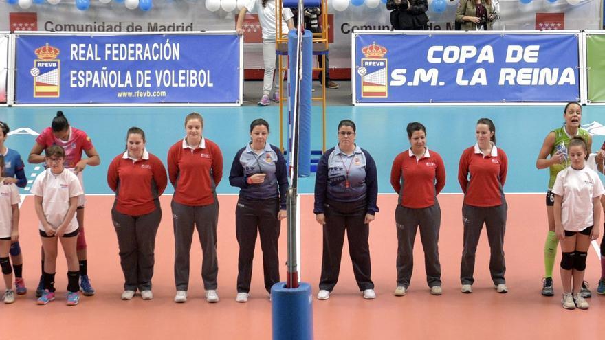 Cuerpo arbtiral de la Copa de la Reina de voleibol celebrada en Leganés hace dos temporadas.