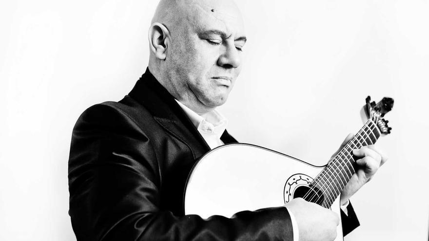 Custódio Castelo, referente de la guitarra portuguesa, actuará el 5 de junio en la Sala BBK de Bilbao