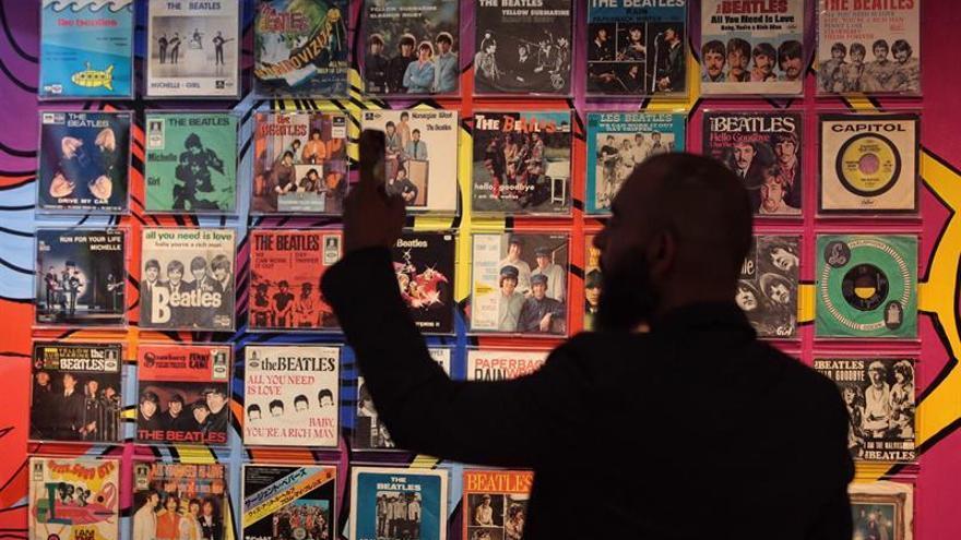 Inauguran en Ciudad de México una exposición de objetos sobre los Beatles