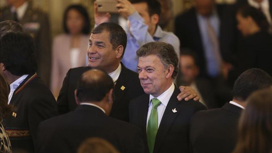 Correa sugiere a Santos repartir el tesoro del galeón San José en Suramérica