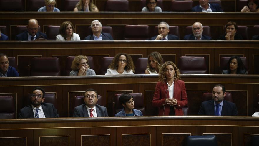 """Dirigentes del PSOE creen que Batet y Hernanz deberían dejar la dirección del Grupo por votar """"no"""" a Rajoy"""
