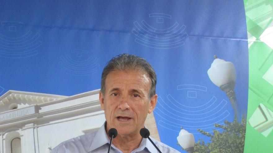 """IU Extremadura agradece la """"generosidad"""" de Lara para facilitar la """"renovación"""" y celebra que continúe como coordinador"""