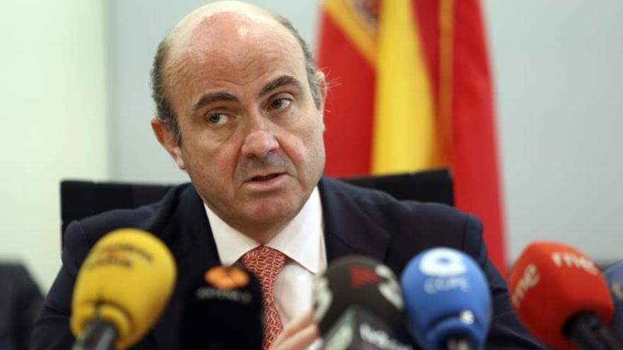 De Guindos afirma que las empresas españolas tienen una exposición reducida en Argentina