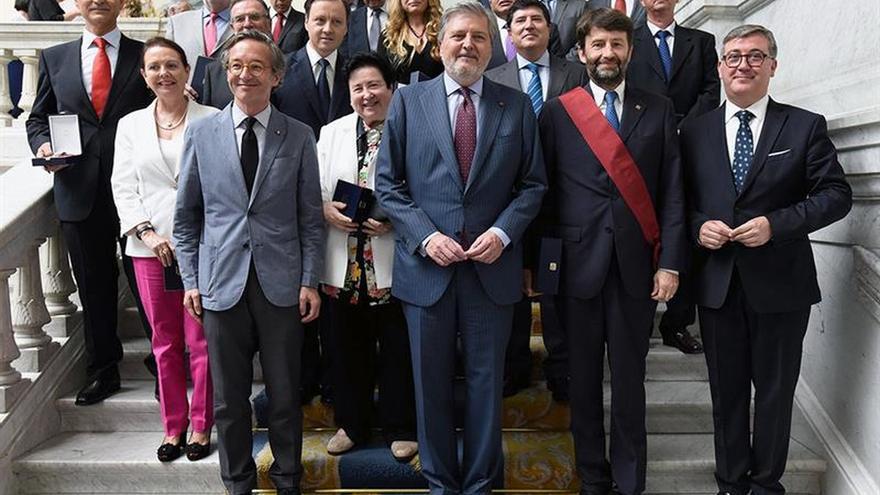 De la Quadra Salcedo y Dario Franceschini reciben la Gran Cruz de Alfonso X