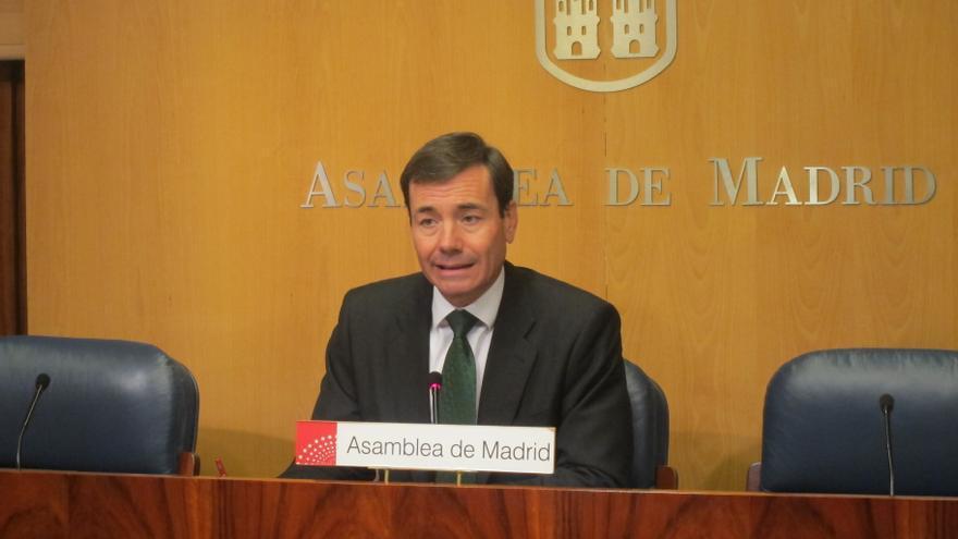 """Gómez se pregunta si Rajoy """"ha puesto de rodillas"""" a González con el déficit asimétrico a cambio de candidatura en 2015"""