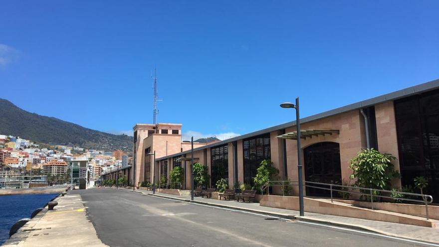 El protocolo de actuación contra la COVID-19 de la terminal marítima del Puerto de la capital obtiene la certificación Aenor