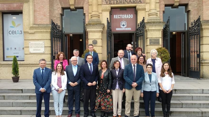Junta, Ayuntamiento y Diputación ensalzan el papel de la mujer en los medios de comunicación