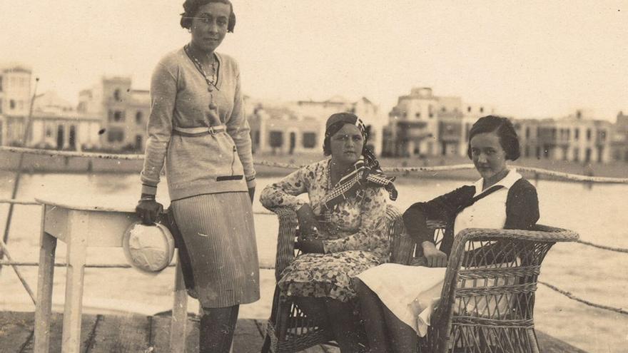 Terraza en La Puntilla, 1930. (Fedac)