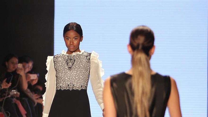 La diseñadora Amelia Toro cierra con broche de oro la Bogotá Fashion Week
