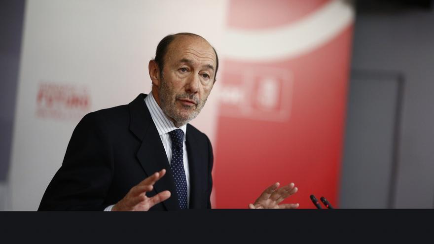 """Rubalcaba arremete contra """"alguien"""" en Bruselas que dice """"no a todas las iniciativas de la oposición del sur de Europa"""""""