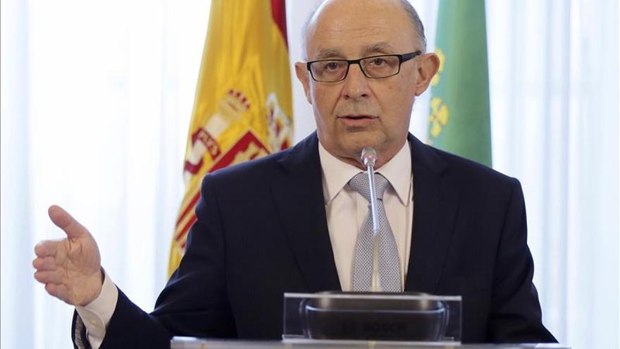 """Montoro dice que España no está para """"ensayos"""" y alerta contra los """"aprendices"""""""