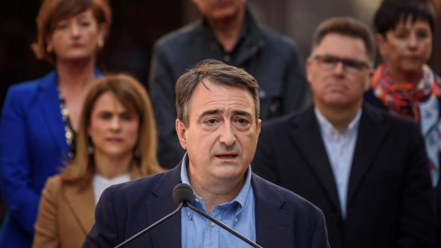 """El PNV ve """"ignorancia"""" en Casado al proponer prevalencia a las FSE sobre la Ertzaintza"""