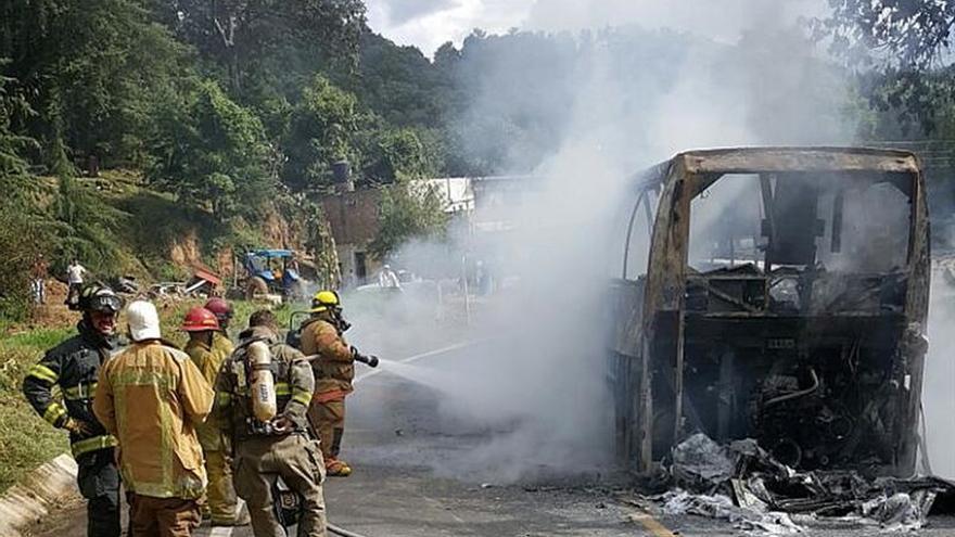 Detienen a 49 estudiantes tras un enfrentamiento en estado mexicano de Michoacán