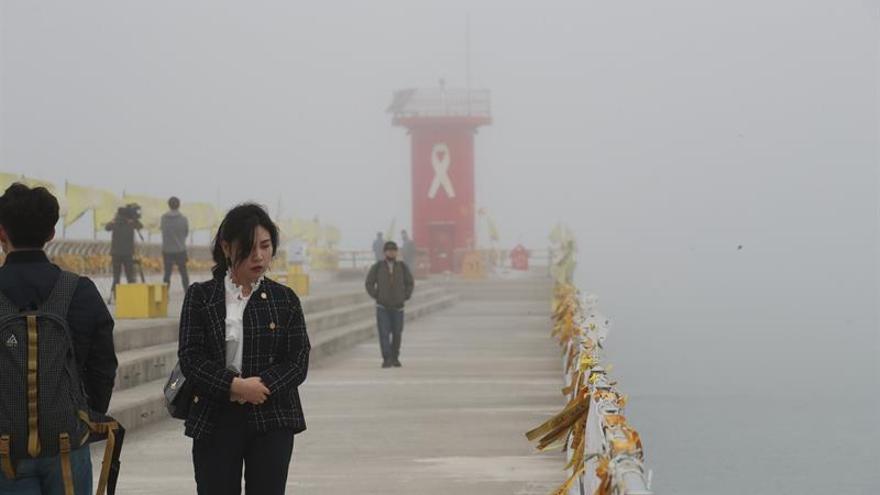 Corea del Sur recuerda el tercer aniversario del hundimiento del ferri Sewol