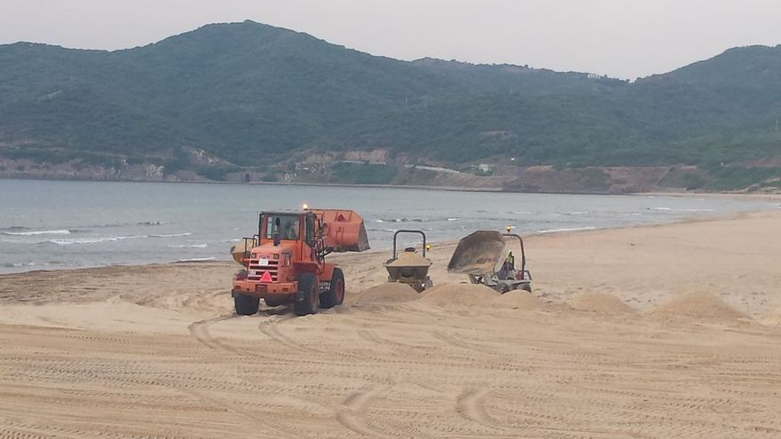 Aporte de arena en playas de Tarifa (Cádiz) / Mapama.