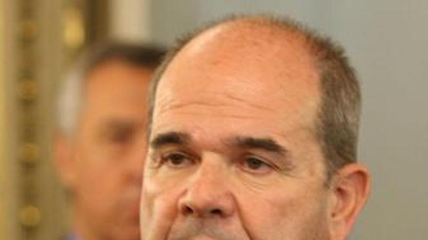 """Chaves subraya que el adelgazamiento de la administración es """"simbólico"""""""