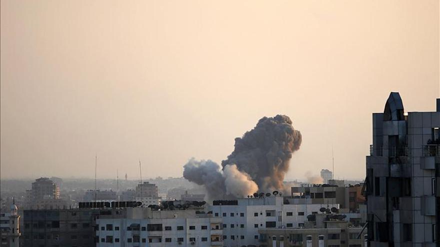 Israel intensifica la ofensiva en el sur de Gaza y deja 71 muertos